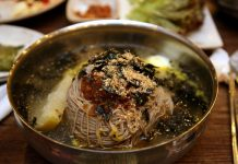 cach-lam-mi-lanh-Naengmyeon